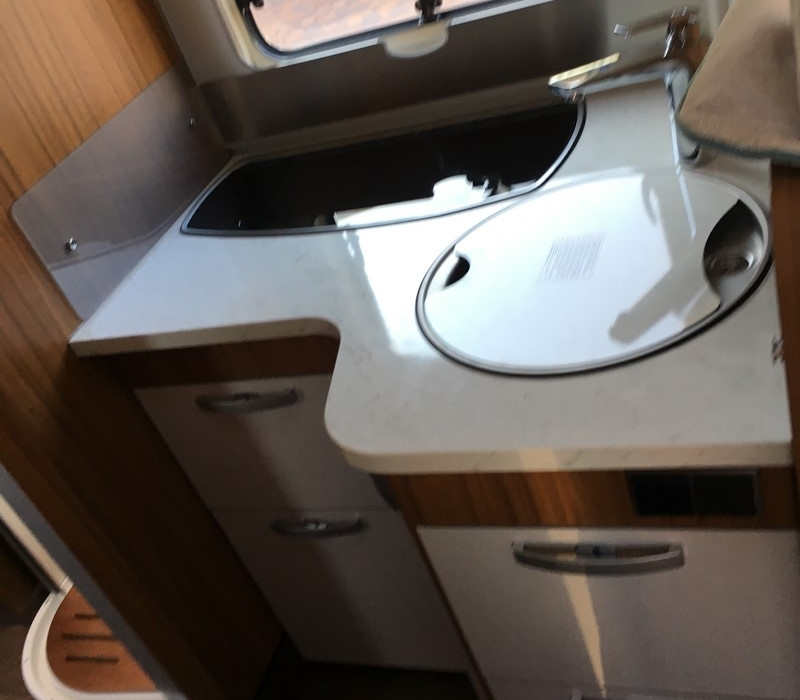 Hymer TCL 698 ambition-Camper Land 3000 Brescia (21)