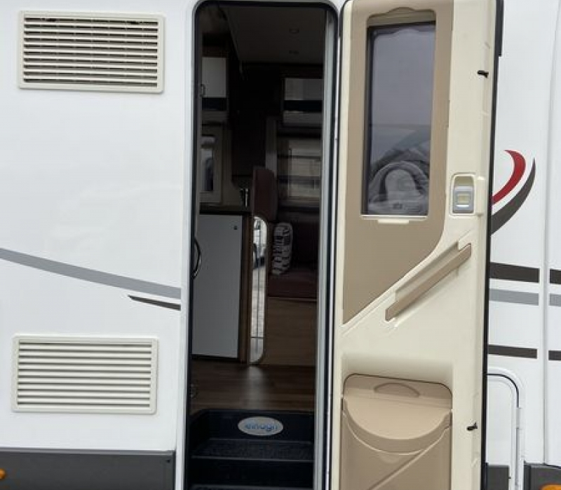 Elnagh T-LOFT 581 - Camperland 3000